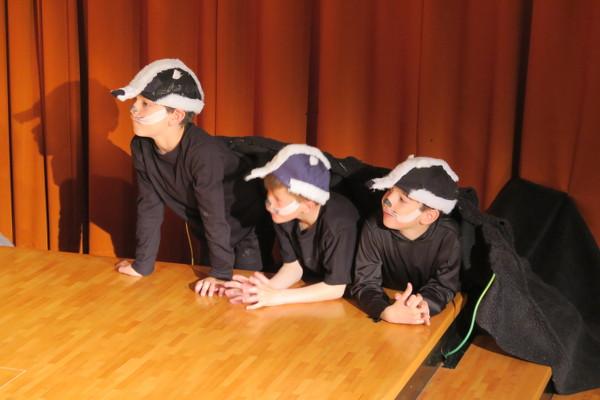 Theater aus dem Bilderbuch: Drei Dachse