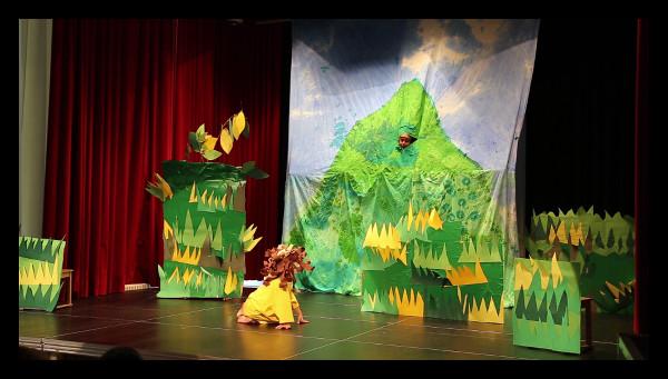 Theater aus dem Bilderbuch: Hase ist schon auf dem Berg